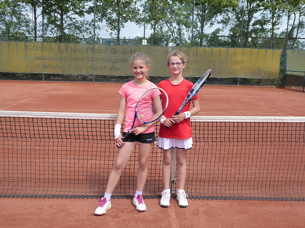 Juniorinnen-C2-Maja-Taphorn-und-Fiona-Adamovitch